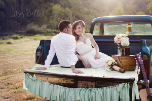 Vintage Wedding Truck Picnic Engagement Photo session ideas